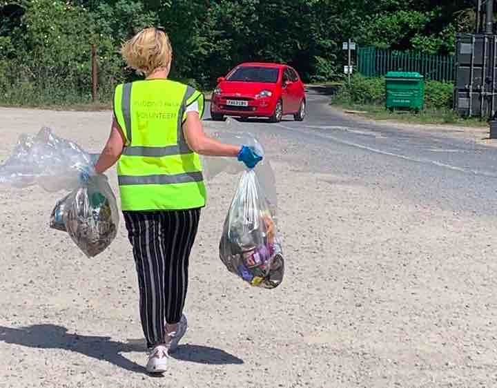 Furloughed staff from Rudding Park help with litter picking