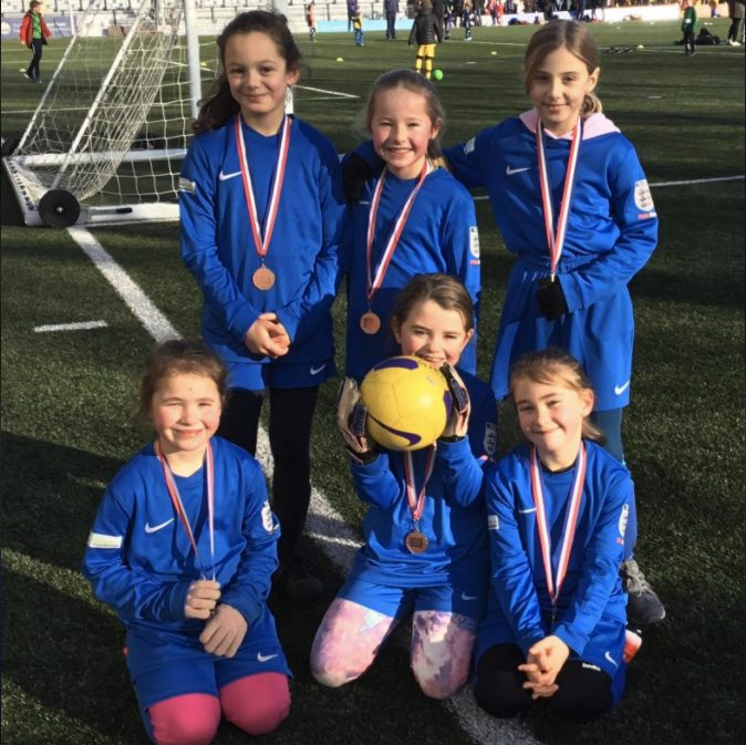 Boroughbridge junior football club calls for girl players