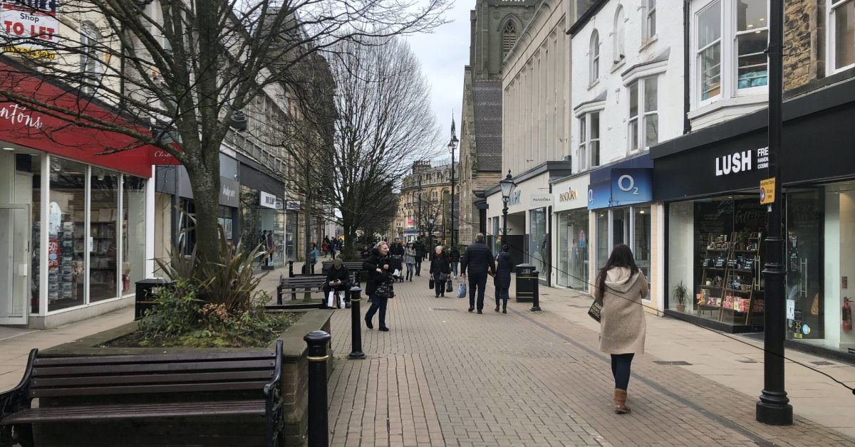 Harrogate retailers wait for shopper numbers before opening late