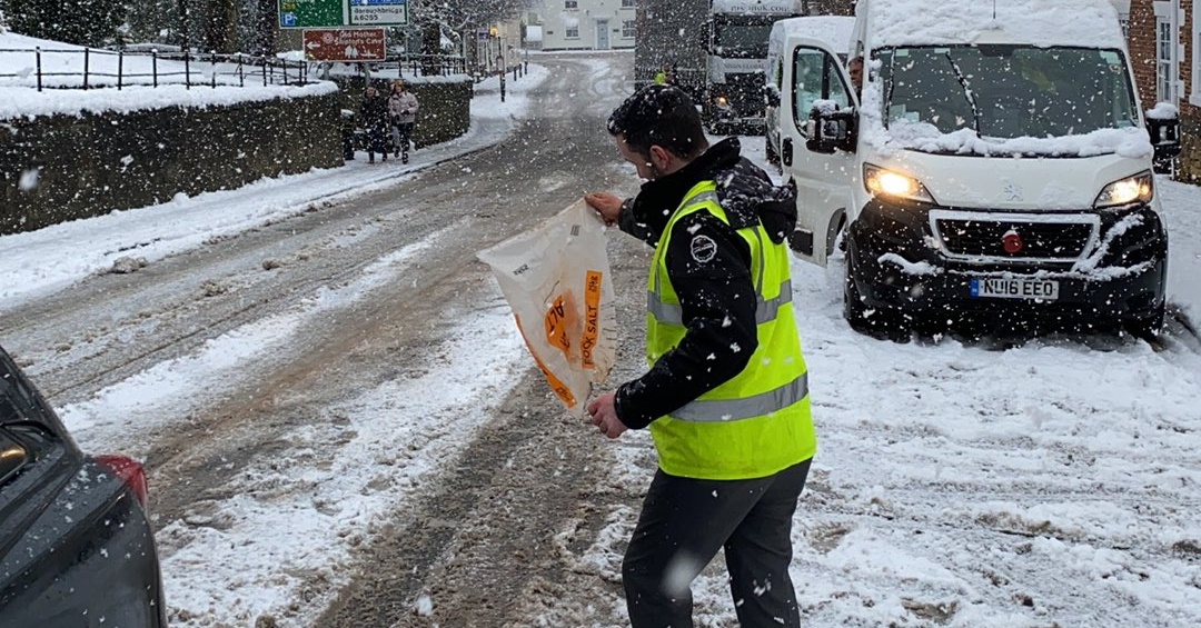 Members of staff at The Harrogate Bus Company took to the roads with shovels and grit to help keep drivers moving.