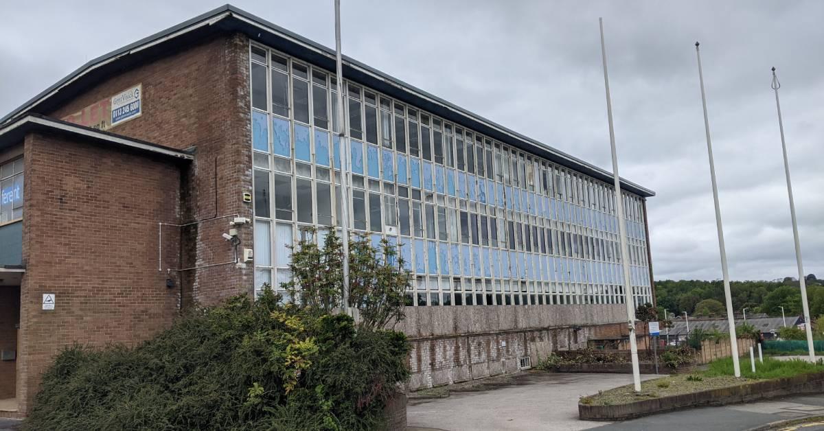 Housing plans set for 'eyesore' Dunlopillo office block in Pannal