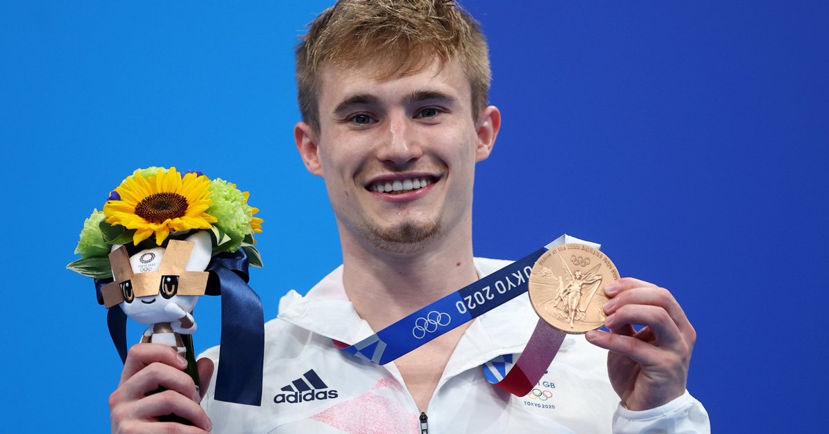 A kiss from Tokyo as Ripon's Jack Laugher wins Olympic bronze