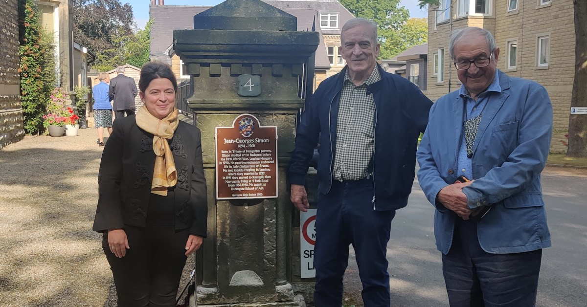 Plaque unveiled in Harrogate for Hungarian artist