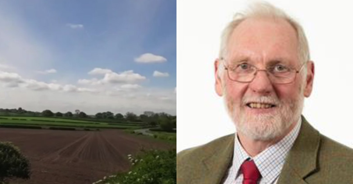 """Cllr Nigel Simms apologised for any offence caused after he described the plans for 260 homes as """"like a sink development from Lancashire""""."""